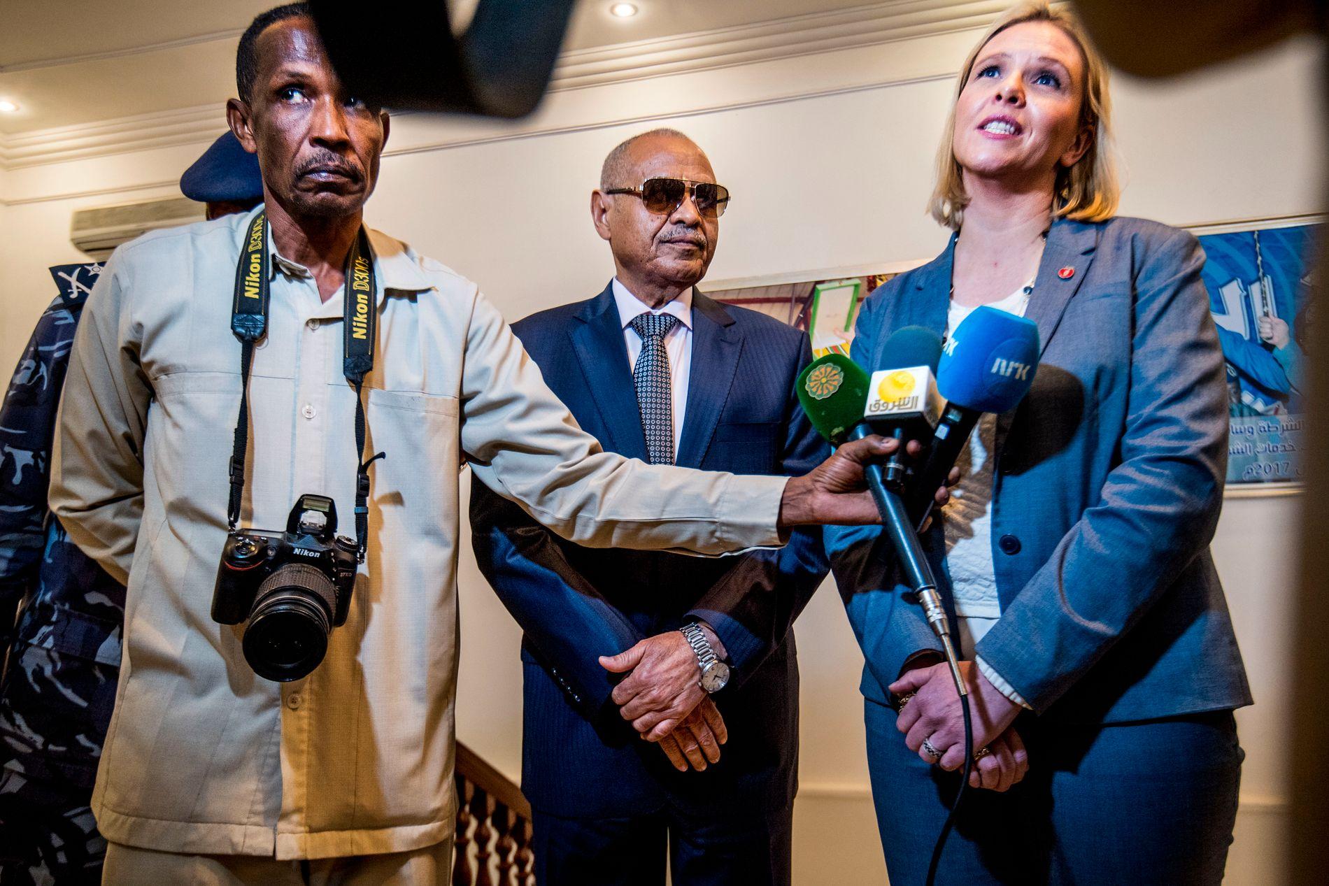 UENIGE: Sudans innenriksminister general Hamid Manan er uenig med Sylvi Listhaug i at flyktninger og migranter fra Eritrea og andre land burde bli i Sudan istedenfor å reise til Europa.