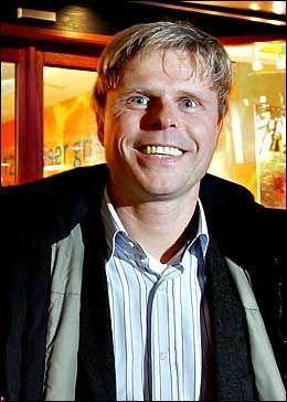 FONDSEKSPERT: Redaktør Bjørn Erik Søttem i Dine Penger råder dem som sparer i fond, til å spre sin aksjeportefølje. Foto: Hege Johnsen