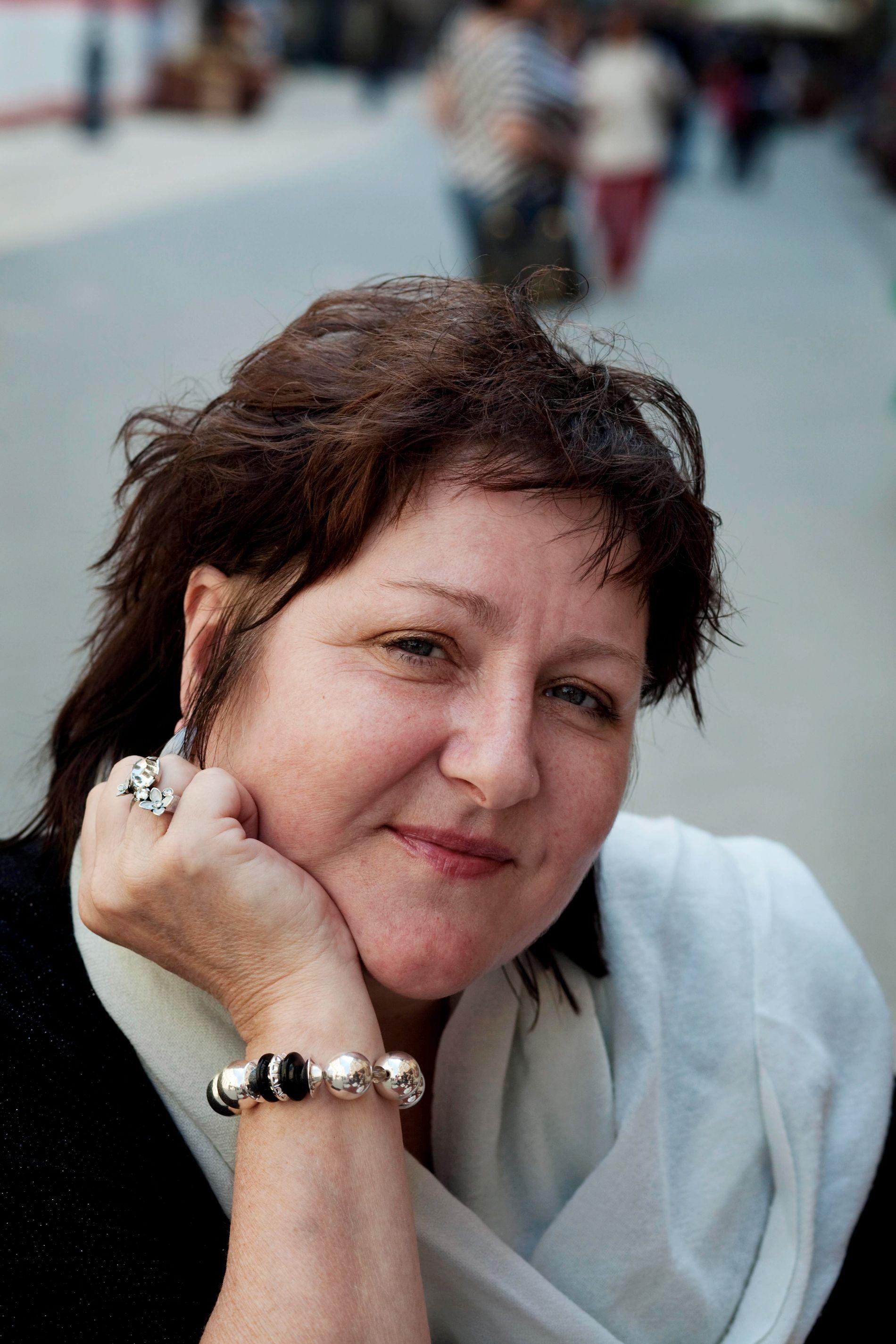 SPENNENDE SVAR: Anne B. Ragde mener forfattere må tåle å få motbær for sine ytringer.