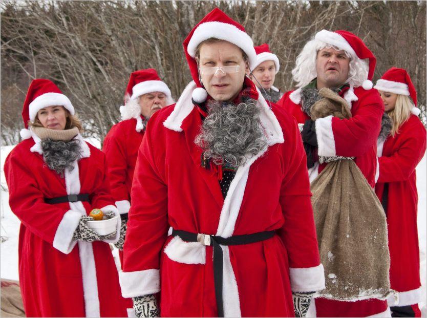NISSENE LEVERER: Ti år etter at de tok Norge med storm med «Nissene på låven», er Espen Eckbo og Kristian Ødegård tilbake for å gi oss julelatter. Ifølge VGs anmelder er det bare å glede seg til torsdagens TV-premiere. Foto: TVNorge