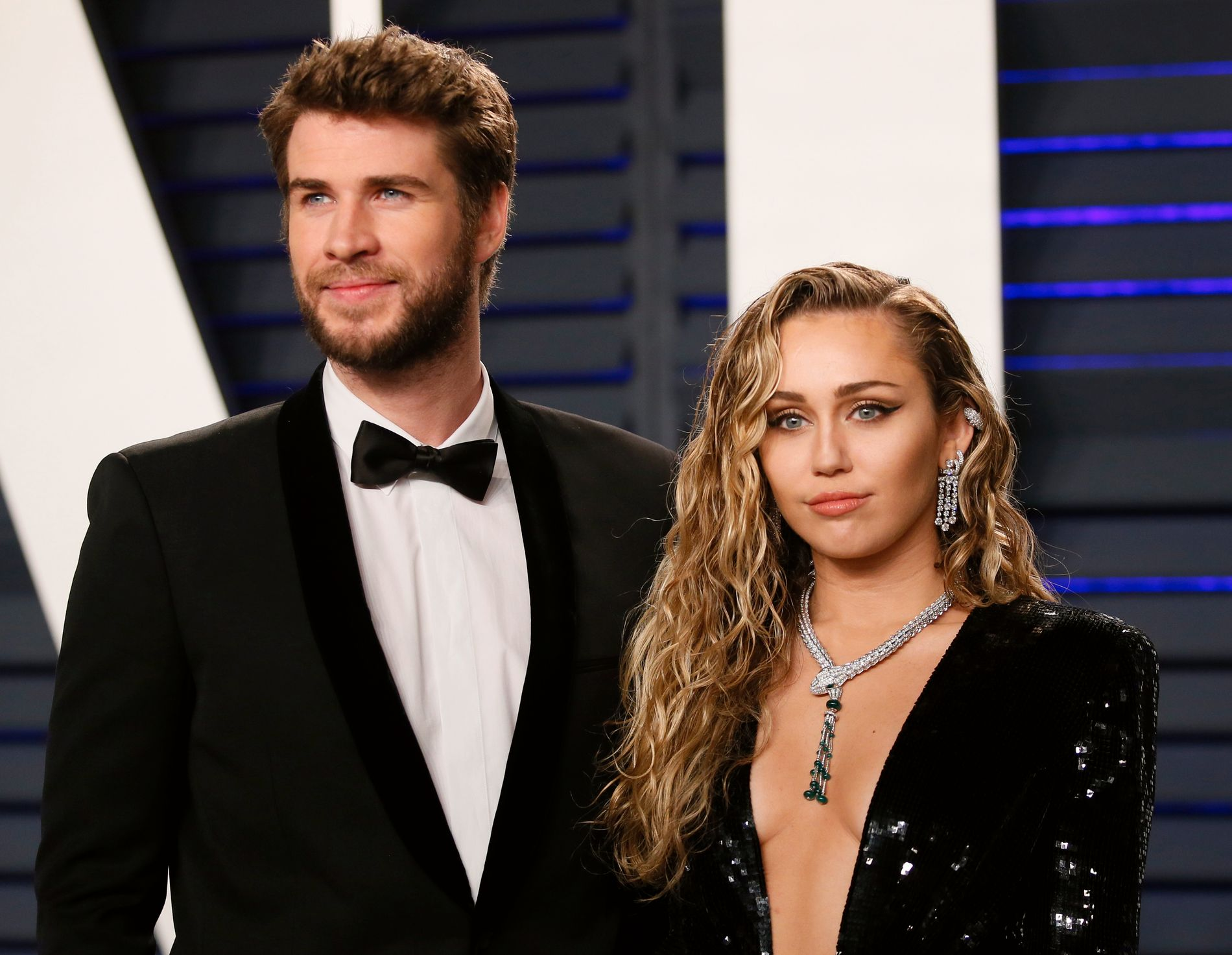 SEPARERT: Liam Hemsworth og Miley Cyrus var kjærester i ti år, og giftet seg i fjor. Nå har de gått hver til sitt.