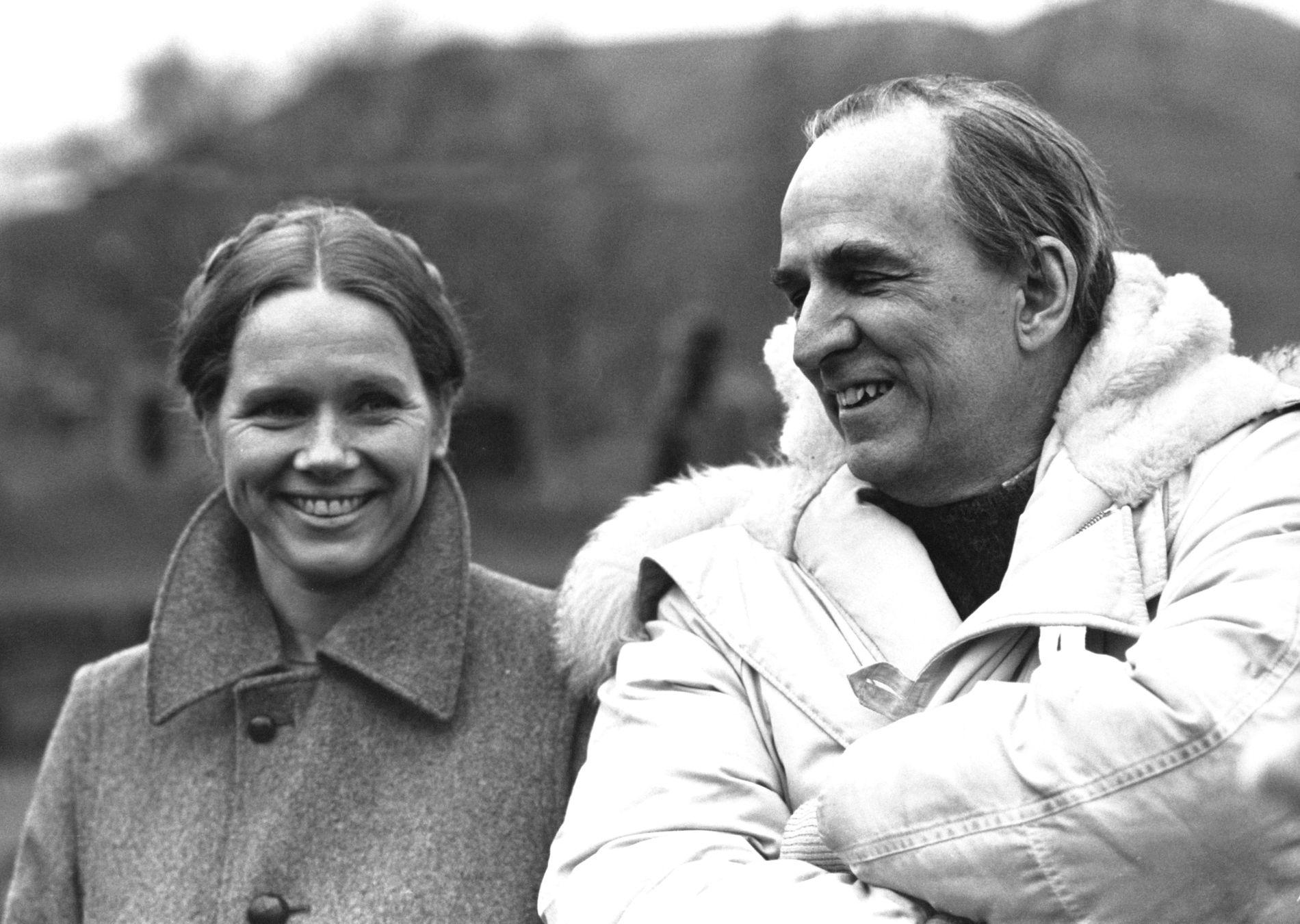 """MED BERGMAN: Ullmann levde sammen med skuespilleren Ingmar Bergman fra 1965 til 1970 og sammen fikk de datteren Linn Ullmann. Her er Liv Ullmann og regissør Ingmar Bergman i forbindelse med filmen """"Høstsonaten"""" i 1978."""
