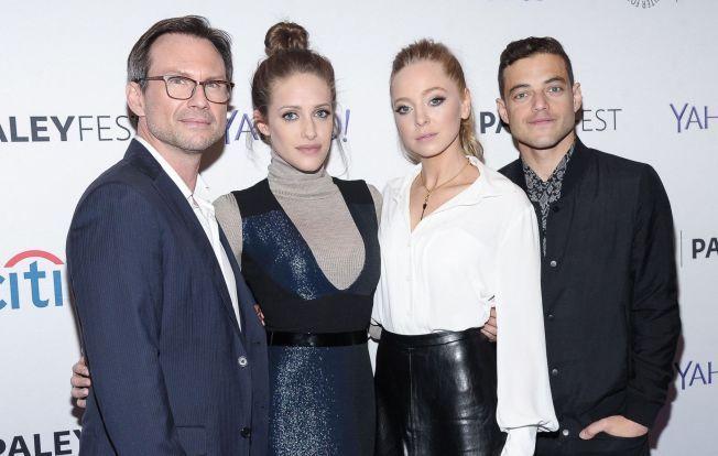 SKUESPILLERNE: Christian Slater, Carly Chaikin, Portia Doubleday og Rami Malek i oktober.