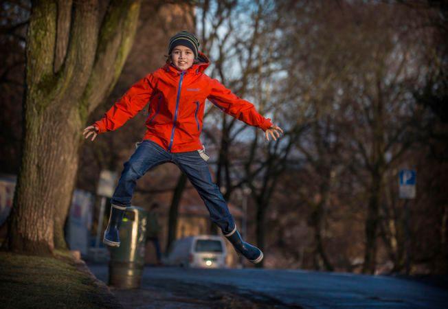 SPRETTEN: Elias Søvold Simonsen hopper fra den ene hovedrollen til den andre. Nå gjelder det tre «Gråtass»-filmer. Foto: MATTIS SANDBLAD,