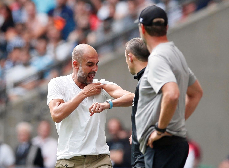 VISTE MUSKLER: Pep Guardiola var svært engasjert langs sidelinjen da Manchester City slo Liverpool i Community Shield.