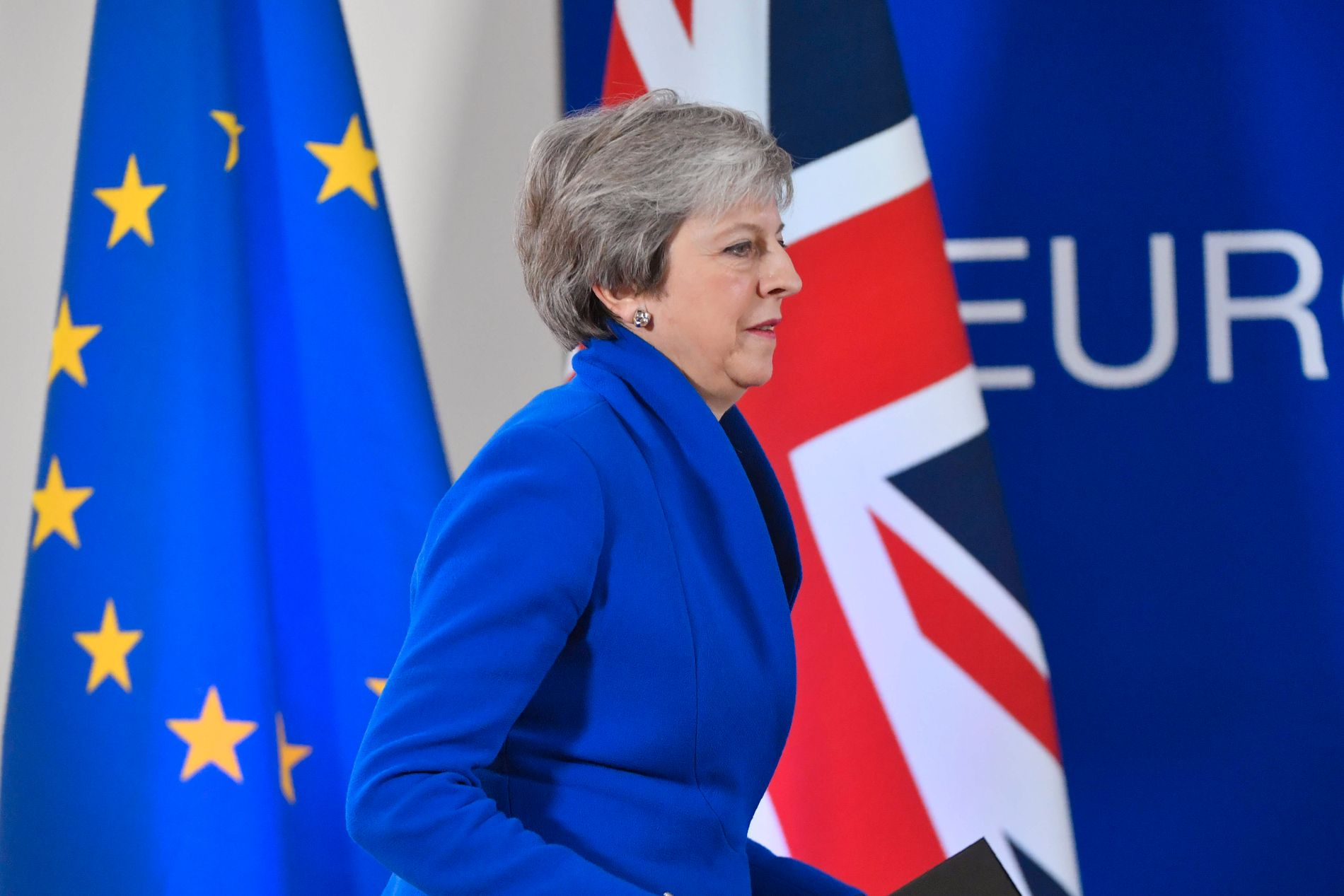 USIKKERT: Statsminister Theresa May vil trolig lide Brexit-nederlag i parlamentet. Men hva skjer da?
