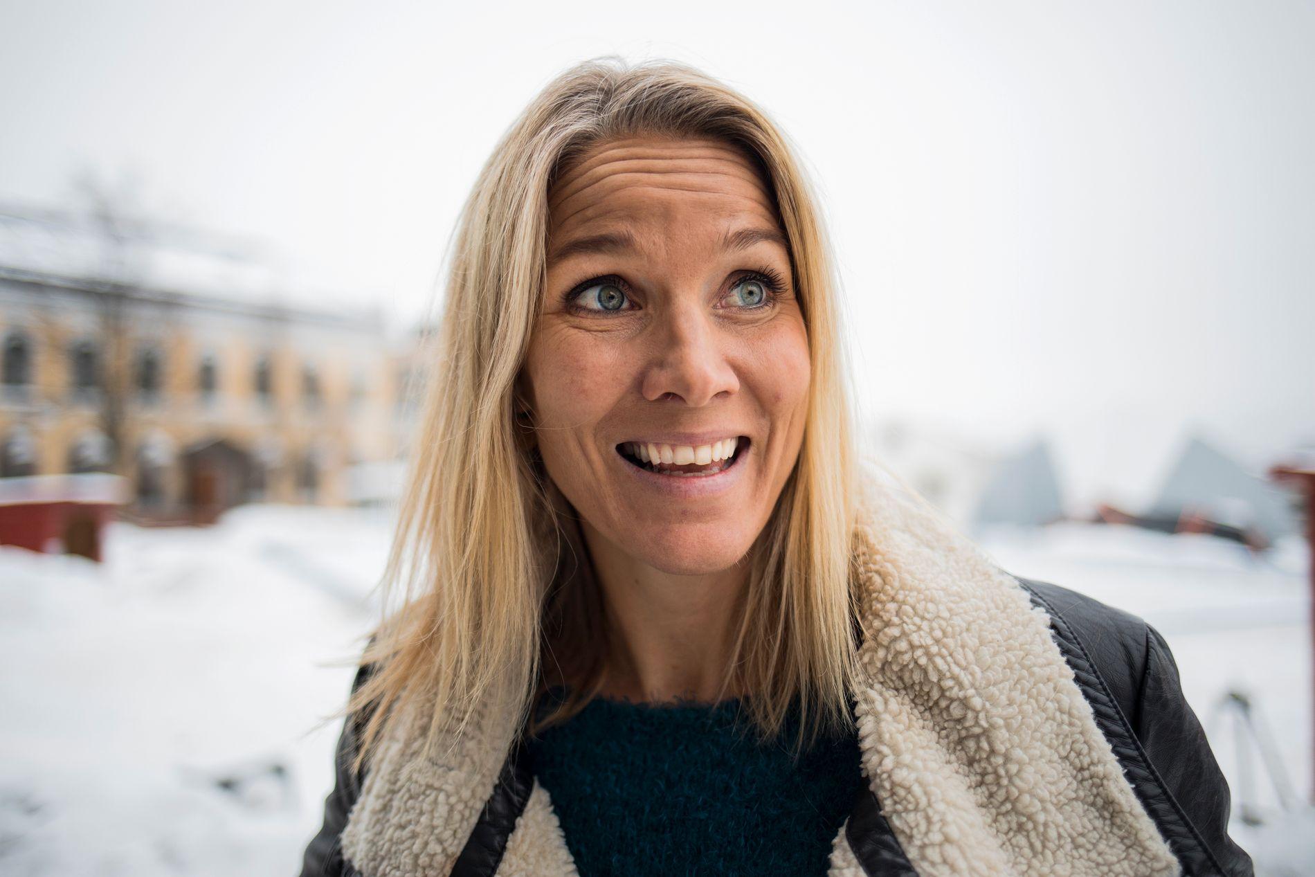 MOR FOR ANDRE GANG: To barn er fasit for Gro Hammerseng-Edin når datoen viser 15. august 2018.