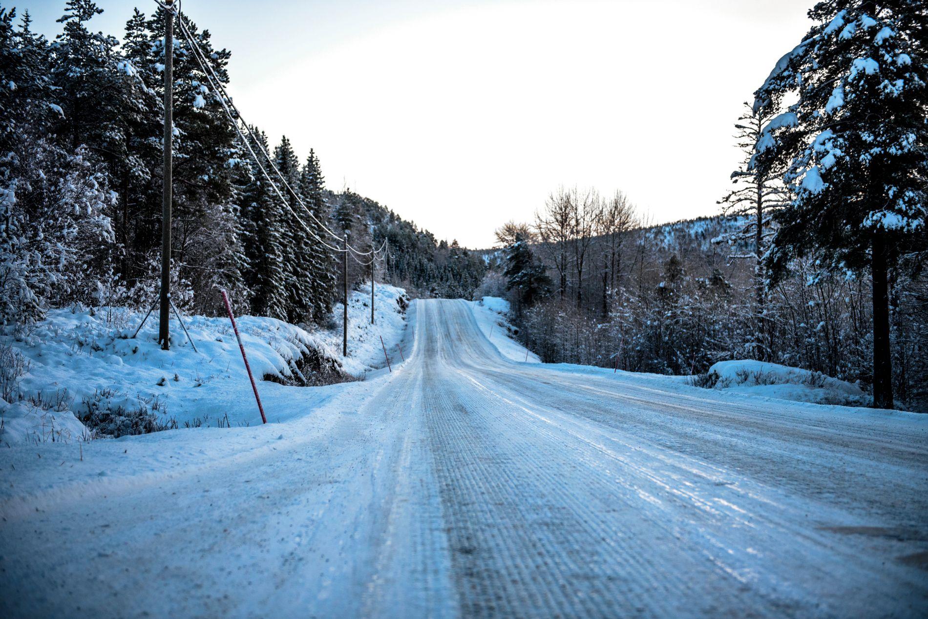 SNØ: Begge meteorologene er enige om at det kommer en del snø i Nord-Norge i helgen.