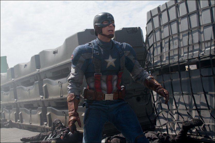 HELTEN: Chris Evans spiller Steve Rogers i Captain America. Foto: Disney Norge