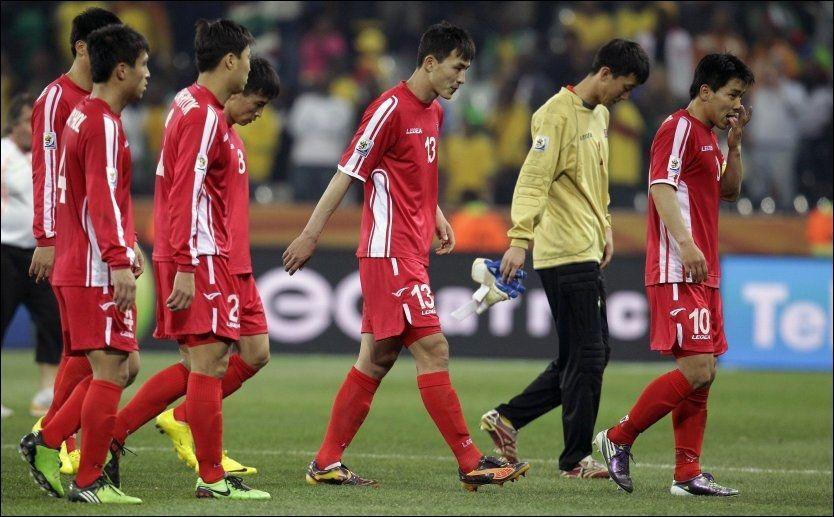 YDMYKET: Nord-Korea tapte alle sine VM-kamper. I hjemlandet fortsatte ydmykelsen. Foto: AP