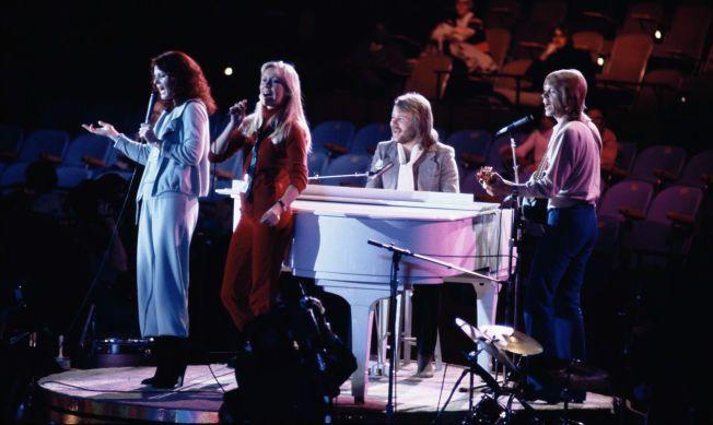 GA SEG: ABBA, her i New York 1979. Fra venstre: Anni-Frid Lyngstad, Agnetha Fältskog, Benny Andersson og Björn Ulvaeus. Foto: AP