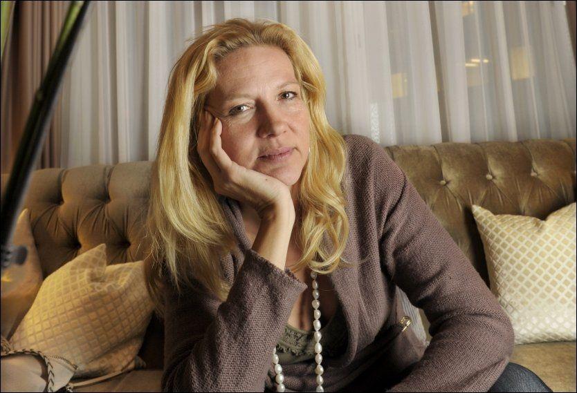 Moderne Bokanmeldelse: Liza Marklund: «Jernblod» HM-92