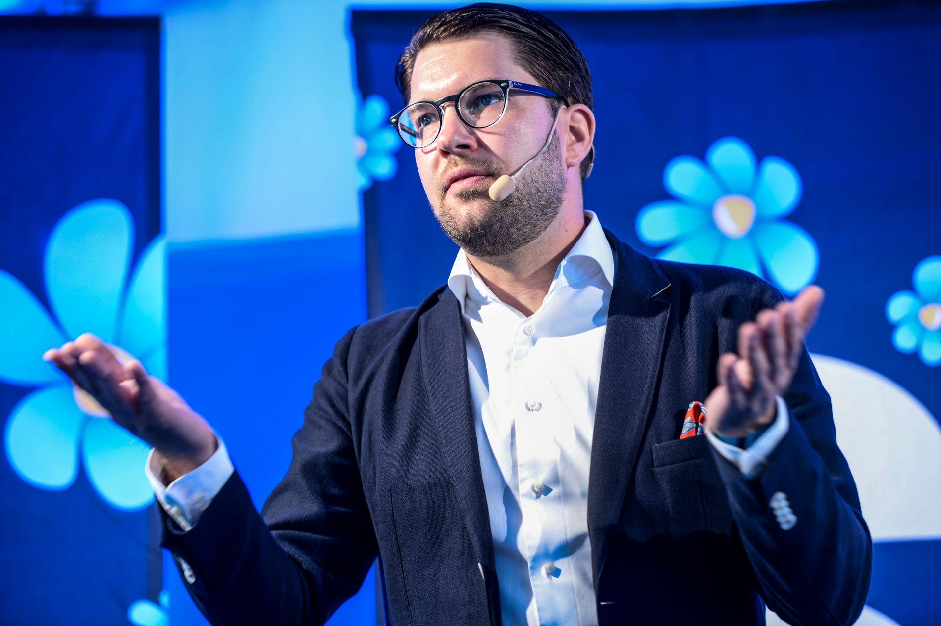 TVILER: SD-leder Jimmie Åkesson tror ikke på at partiet hans kommer til å sitte i regjering etter valget 9. september.