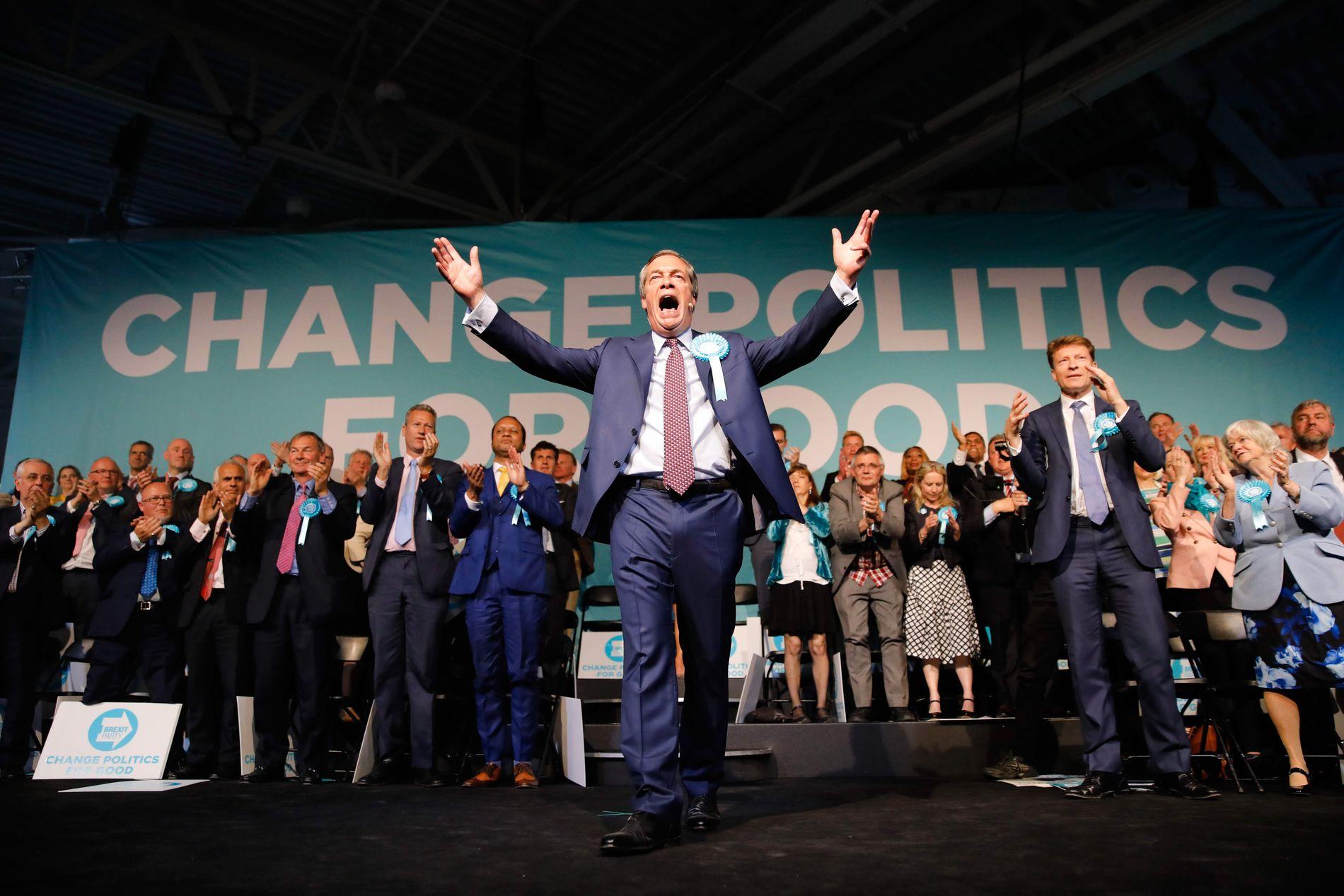 VENTER GODE RESULTATER: Nigel Farages Brexit Party ligger høyt på meningsmålingene i valget til Europaparlamentet.