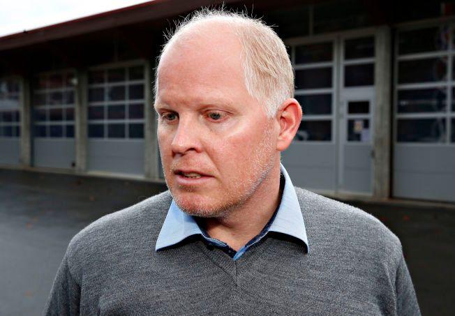 FANT BILSKILTET: Morten Hagen er politibetjent ved Vågsøy lensmannskontor og medlem i kommunens kriseteam.