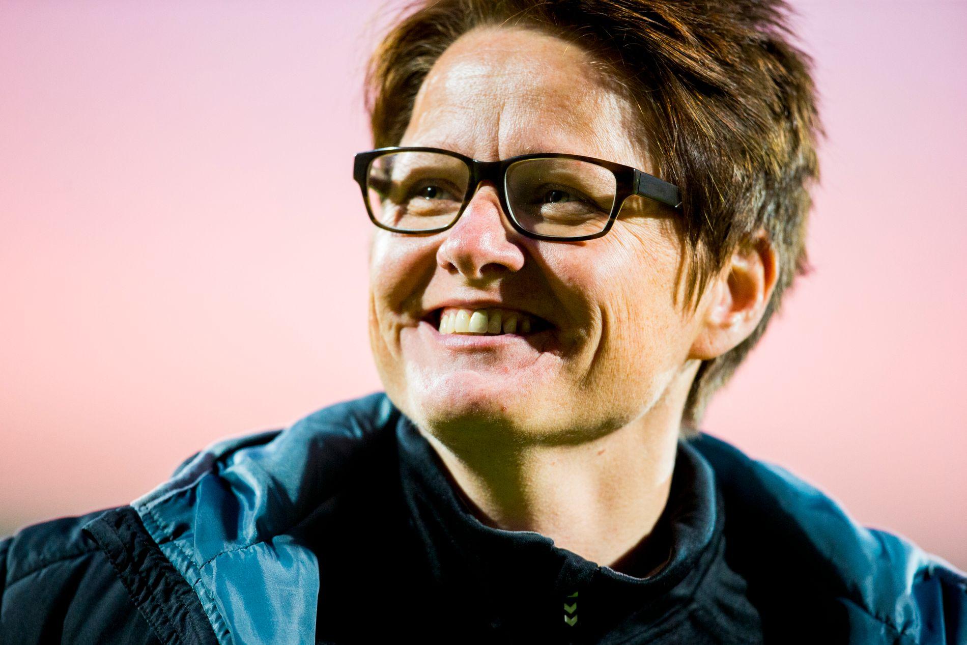 SUKSESSTRENER: Monica Knudsen har ledet LSK Kvinner til seier i serie og cup tre år på rad. Nå kan hun bli ny landslagssjef for kvinner.