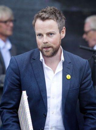 FOR TIDLIG: Kunnskapsminister Torbjørn Røe Isaksen (H) mener det er for tidlig å si om man med et nasjonalt regelverk og retningslinjer kunne ha avdekket overgrepene i Tromsø tidligere.