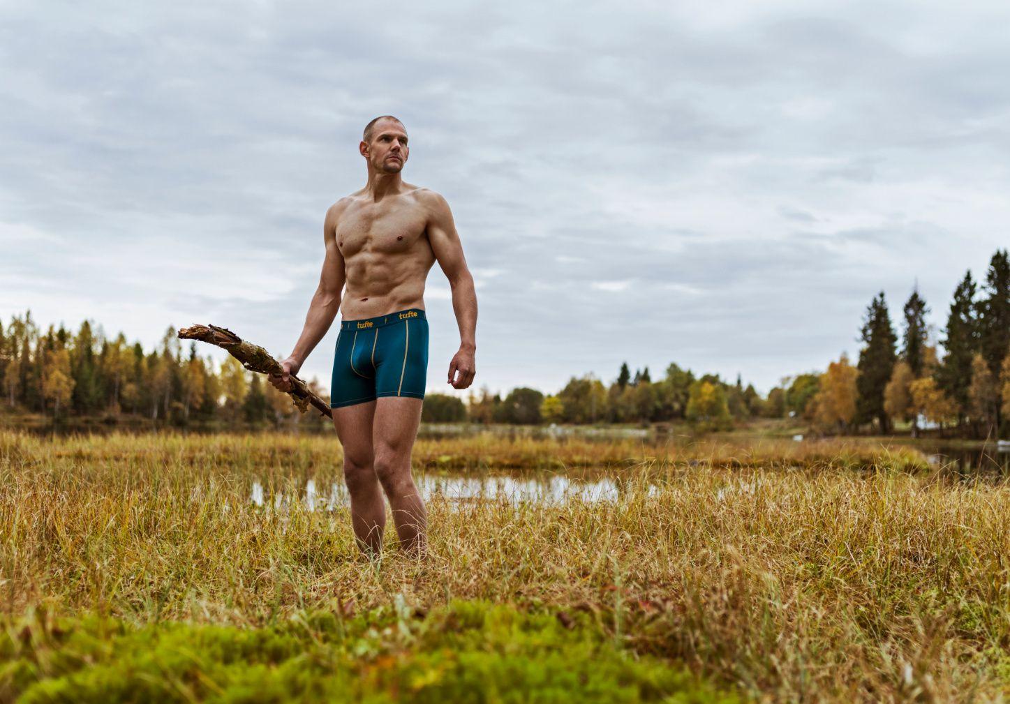 SELGER GODT: Olaf Tufte er ansiktet - og kroppen - utad for sin egen truse. Snart har han solgt en halv million underbukser.