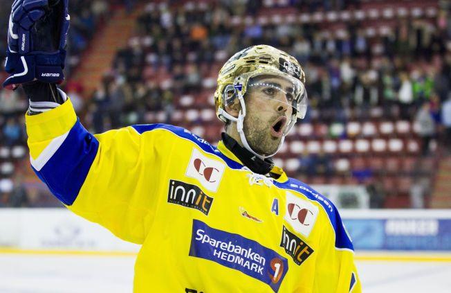 SIKRET LEDELSE: Christian Larrivée scoret 3-2 målet for Storhamar over Kongsvinger. Etter dette ga hjemmelaget ikke fra seg ledelsen igjen. Her fra oppgjøret mot Vålerenga tidligere i sesongen.