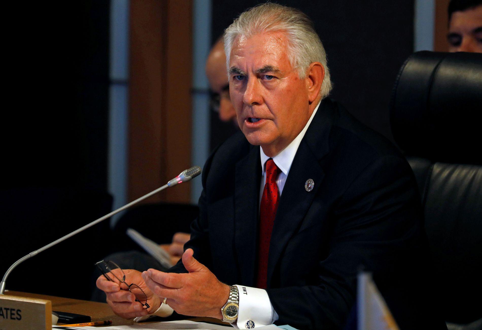 UTVISER CUBA-DIPLOMATER: USAs utenriksminister Rex Tillerson utviser 15 cubanske diplomater etter misnøye med etterforskningen av mystiske sykdommer og helseplager blant amerikansk diplomatisk personell i Havana.
