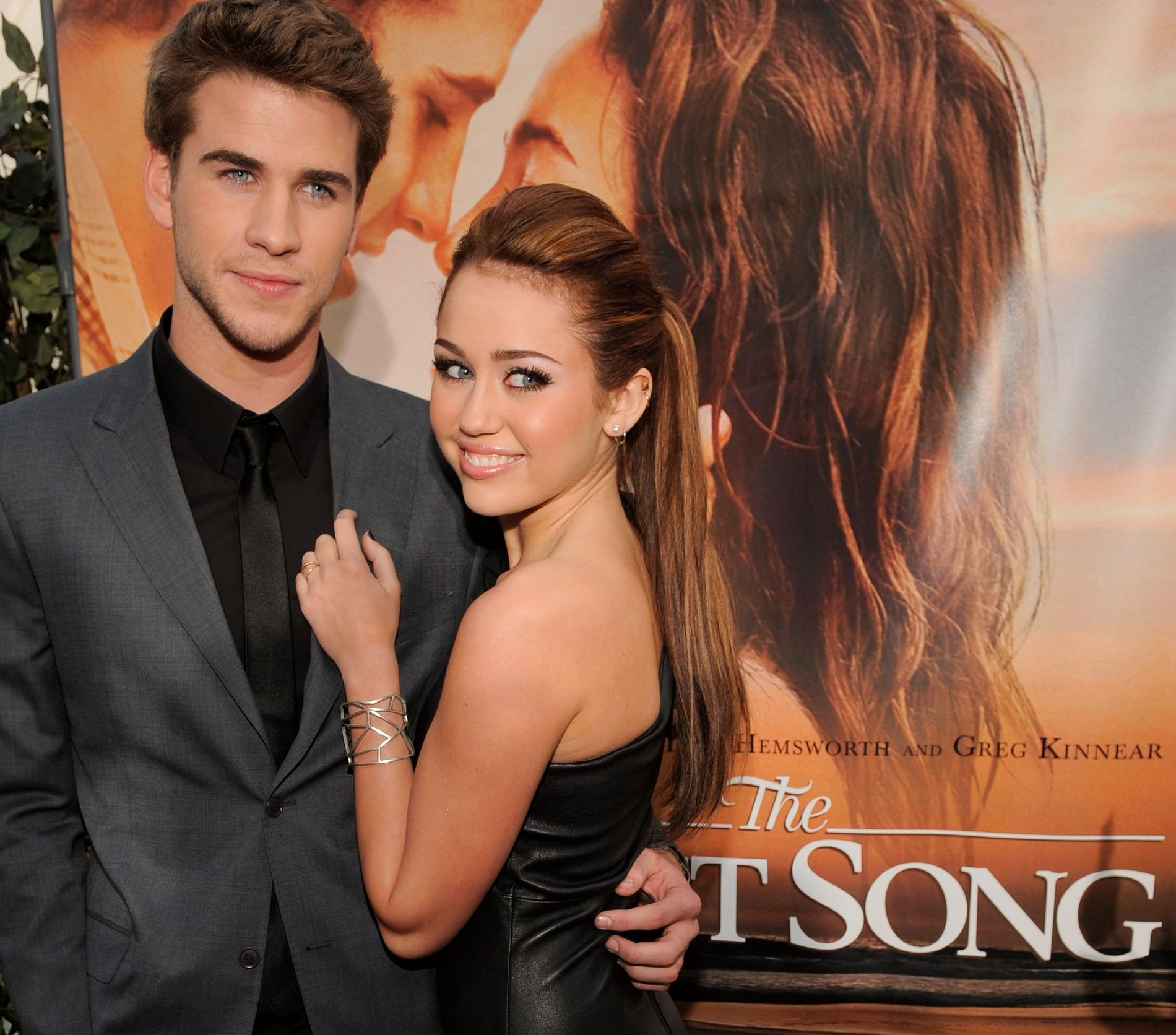 2010: Liam Hemsworth og Miley Cyrus på filmpremiere.