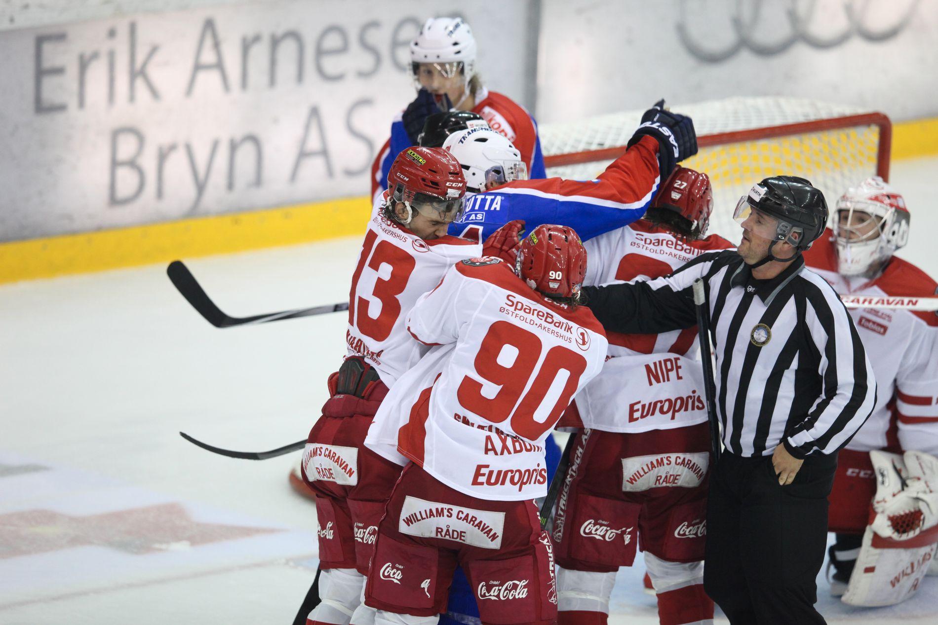 INGEN RADIO: Stjernen og Vålerenga er to klubber hvor lagets supportere har hatt et lokalradio-tilbud.