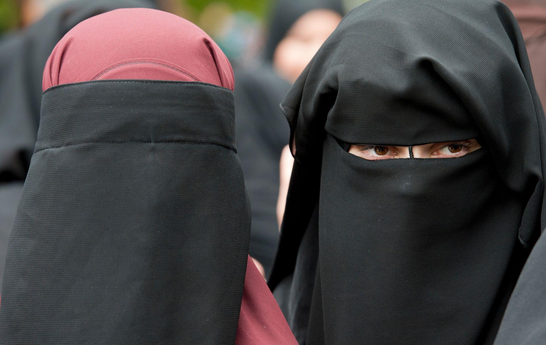 FORBUD: De folkevalgte i Danmark vil vedta forbud mot ansiktsdekkende plagg. Foto: AP / NTB scanpix