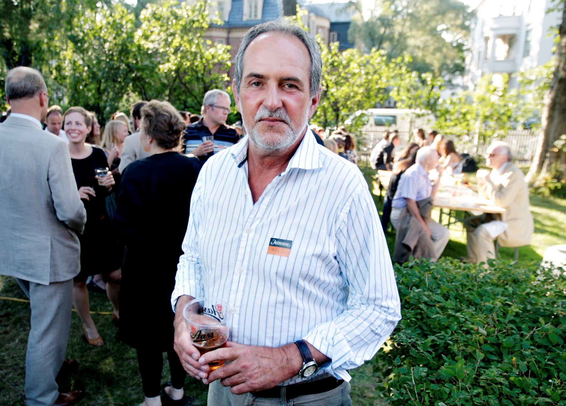 MICHELET PÅ HAGEFEST: Jon Michelet var på mange av Aschehougs hagefester. Dette bildet er fra 2007.