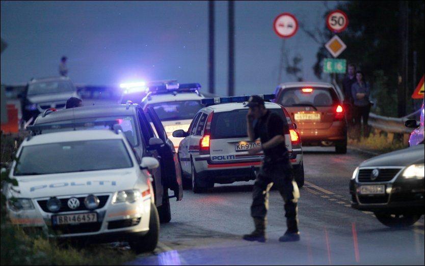 MYE SVIKTET: 22. juli-kommisjonens rapport vil ramme politiet hardt. Her jobber politiet ved Utøya dagen etter terrorangrepet i 2011. FOTO: TROND REIDAR TEIGEN / SCANPIX