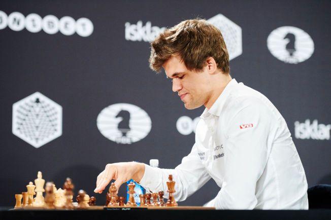 FORT FERDIG: Etter kun 28 trekk ble det slutt på åoningspartiet til Magnus Carlsen i London Chess Classic. Her er verdensmesteren fra lynsjakk-VM i Berlin.