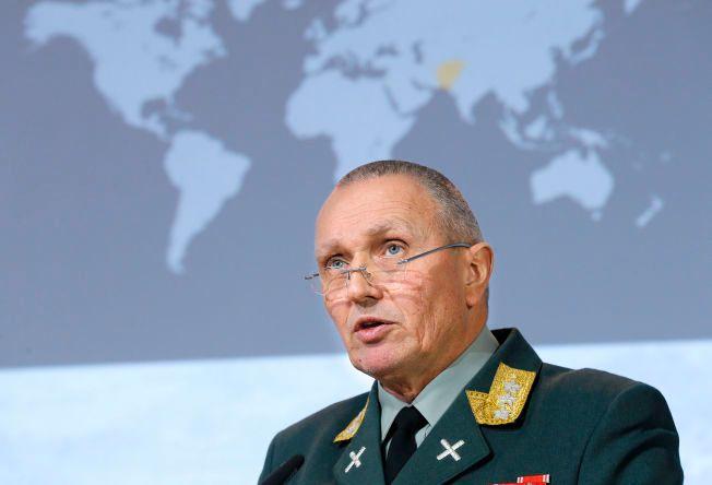 GÅR SNART AV: Sjef for etterretningstjenesten, generalløytnant Kjell Grandhagen. Ved årsskiftet blir han avløst av Morten Haga Lunde.