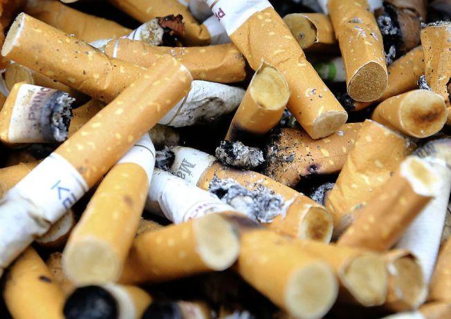 PÅ RIKTIG VEI: I dag anslår man at rundt 13 prosent av befolkningen røyker daglig, sammenlignet med 27 prosent i 2003, ifølge Statistisk sentralbyrå.