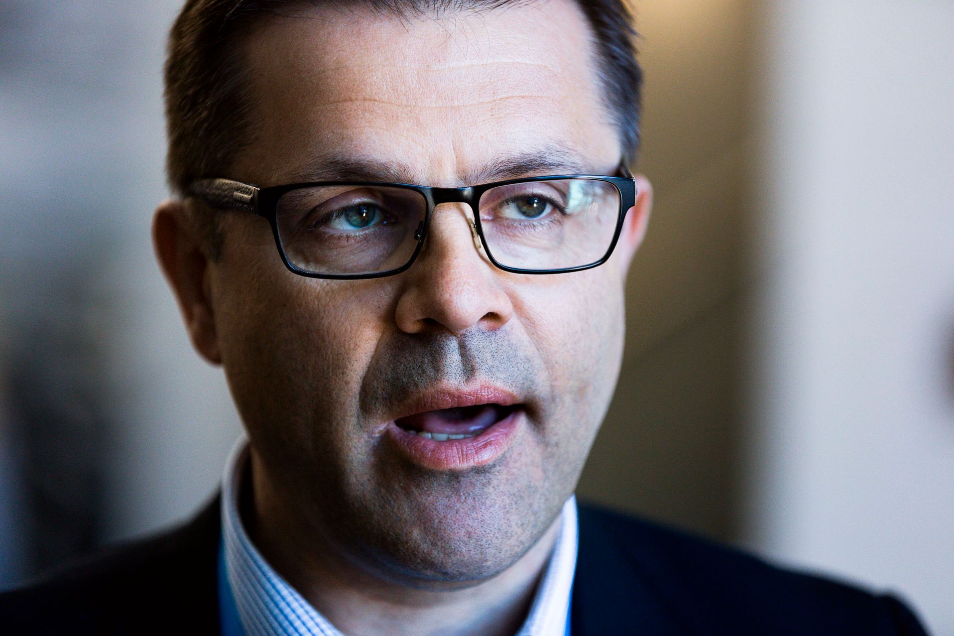 ETTERLYSER SAMARBEID: Frank Sve, Fylkesleder i Møre og Romsdal Frp mener det er behov for å opparbeide tillit og skape samarbeid mellom KrF og Frp.