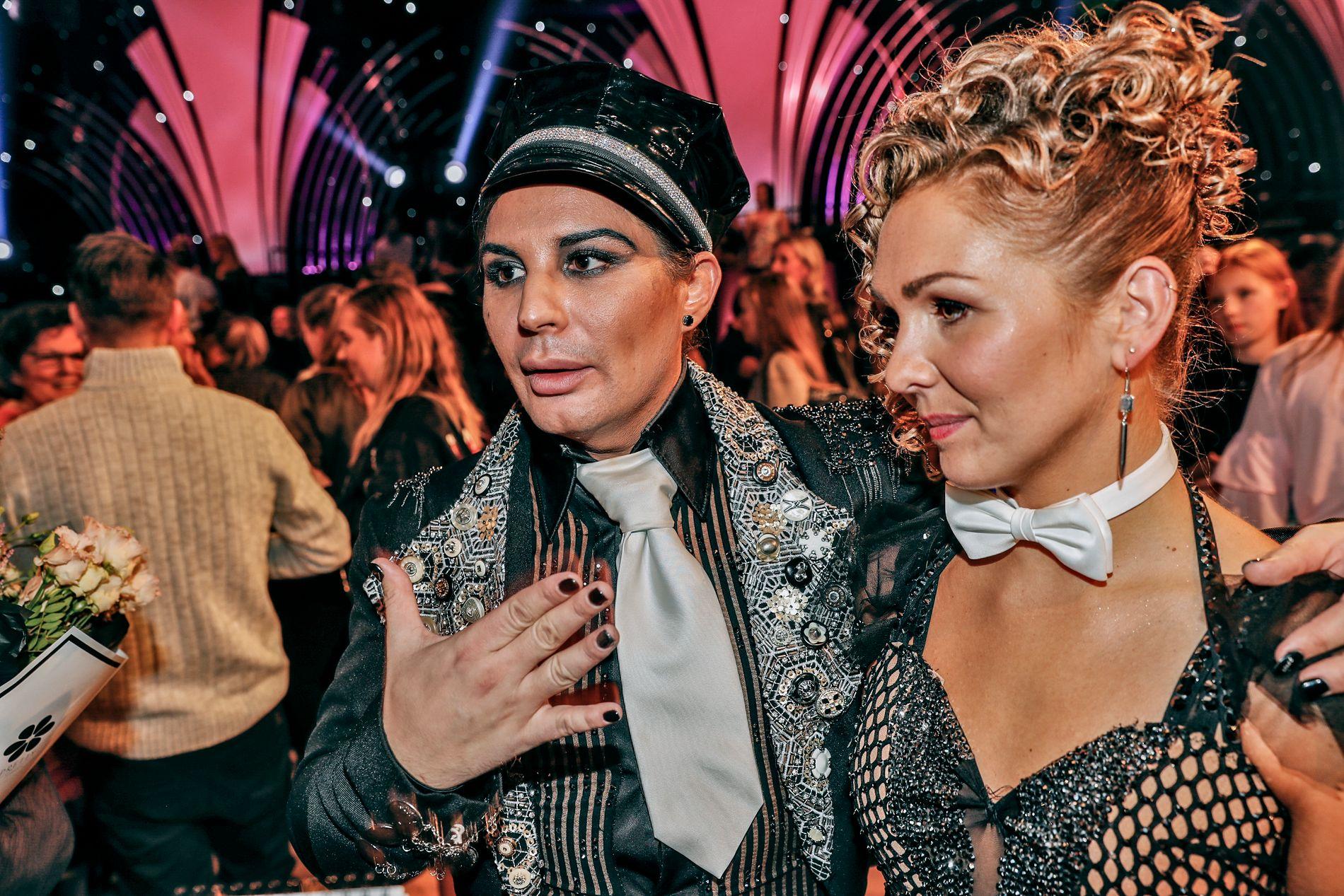 UTE: Erlend Elias og dansepartner Marianne Sandaker måtte forlate konkurransen. Elias forteller at han trodde han skulle ryke i første runde, og at han er fornøyd med å ha kommet så langt.