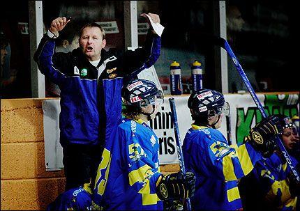 FORNØYD: Storhamar og trener Petter Thoresen. Arkivfoto: Olsen, Linn Cathrin