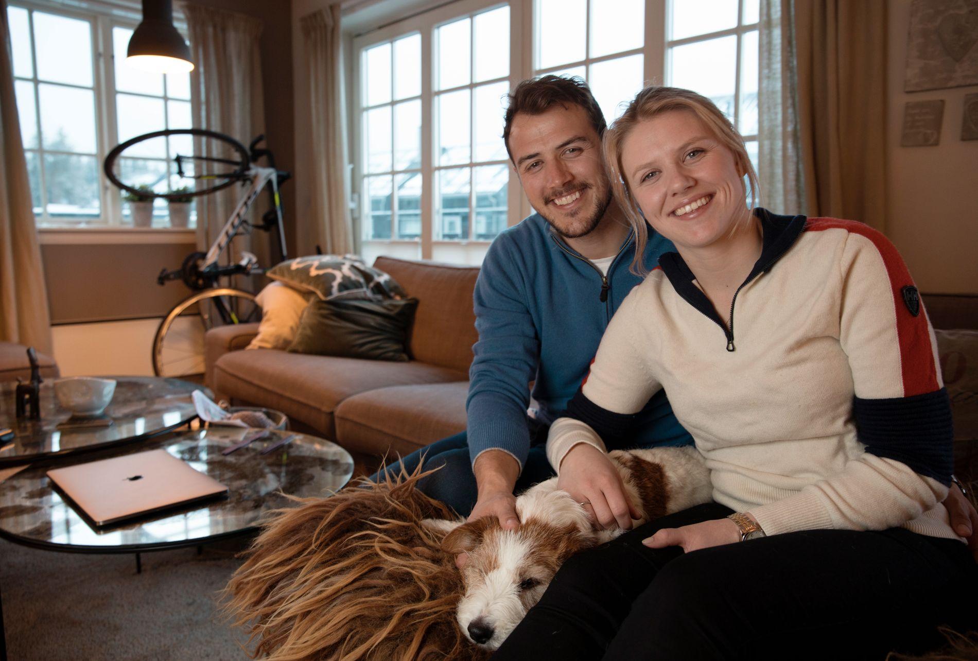 HJEMME IGJEN: Tiril Sjåstad Christiansen og kjæresten Stian Lauritzen feiret «Farmen kjendis»-seieren med forlovelse og bare god stemning. Nå venter bryllup i Italia.