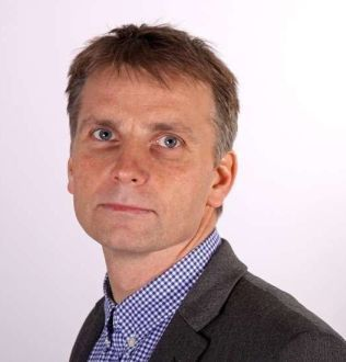FRUSTRERT: Visedirektør Jørn-Tommy Schjelderup i Private Barnehagers Landsforbund sier de har etterlyst nasjonale retningslinjer i snart ti år.