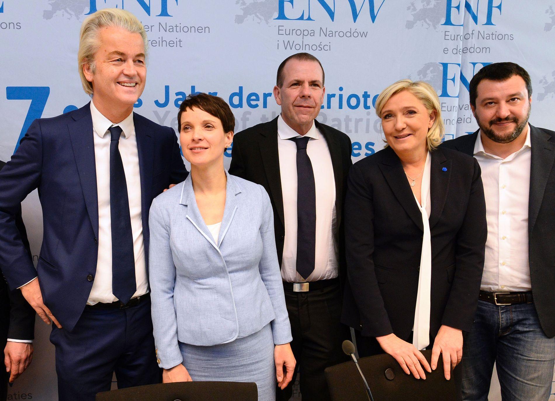 MØTTES: Representanter for de høyrepopulistiske partiene i Europa satte hverandre stevne i Koblenz tidligere i år.