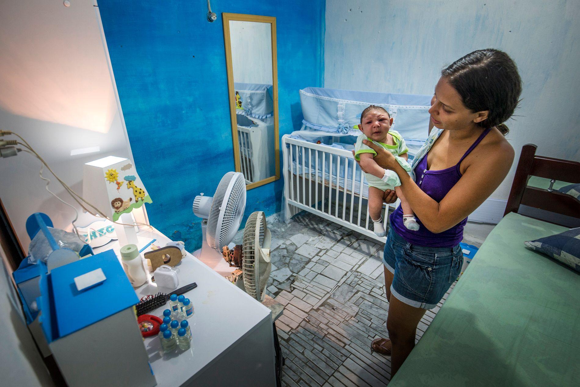 BARNEROMMET: Daniele bor med sønnen Juan Pedro og datteren i slummen i Apipucos i Recife, nordøst i Brasil. VG besøkte dem i januar.