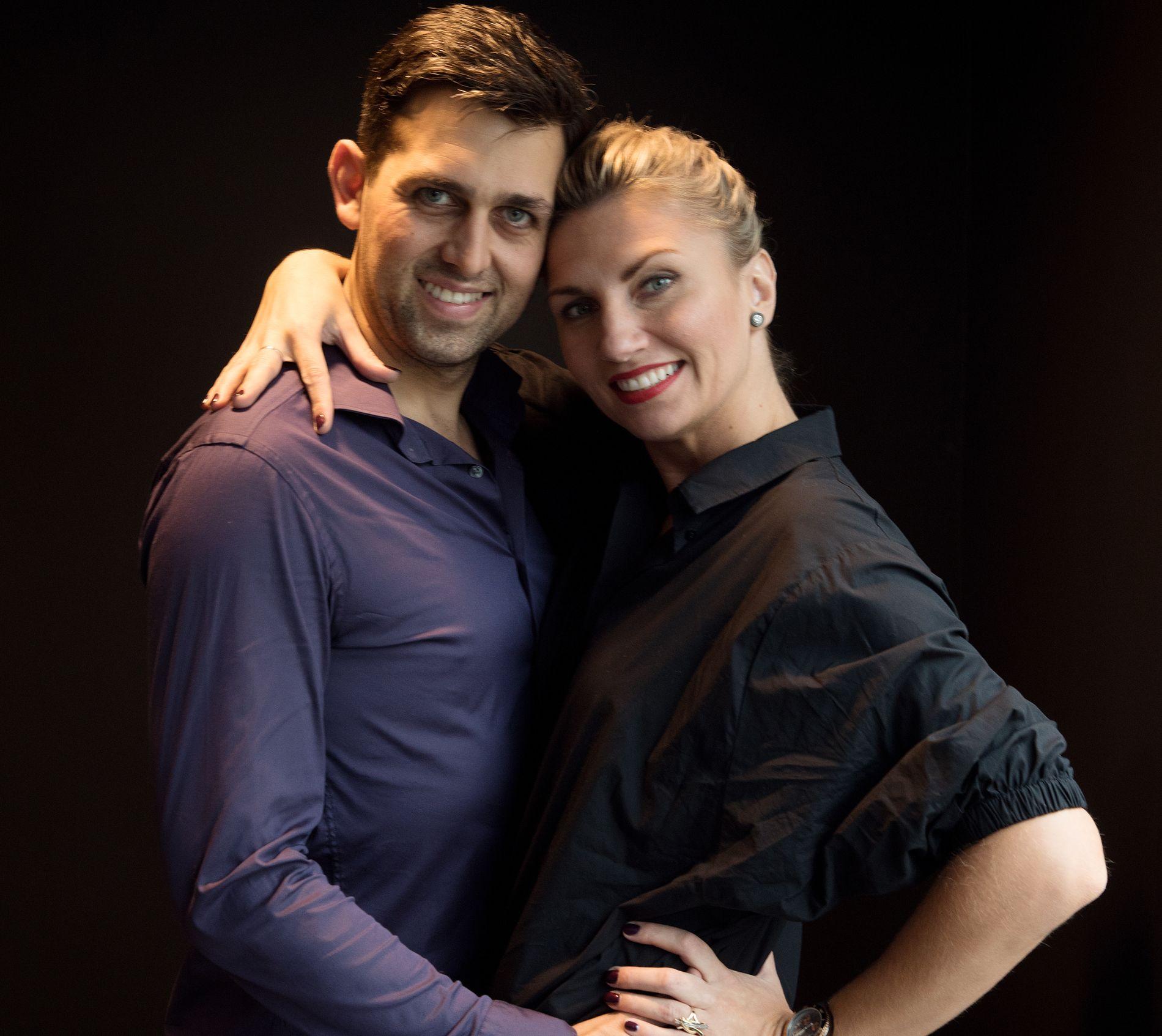TRAVLE KJÆRESTER: Glenn Jørgen Sandaker og Alexandra Kakurina innrømmer at kroppen «skriker etter hvile». Men de bevarer kjærligheten og får venner for livet. Derfor blir det «Skal vi danse» år etter år.