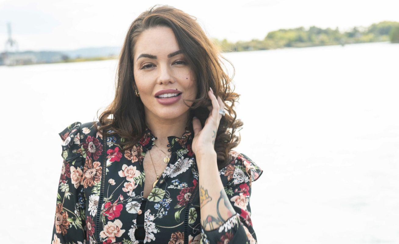 PROGRAMLEDER: Triana Iglesias har vært programleder for TV 3-serien «Paradise Hotel» i ti år.