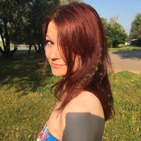 FORGIFTET: Den 33 år gamle datteren Julia Skripal ble også forgiftet. Hun ligger i koma.
