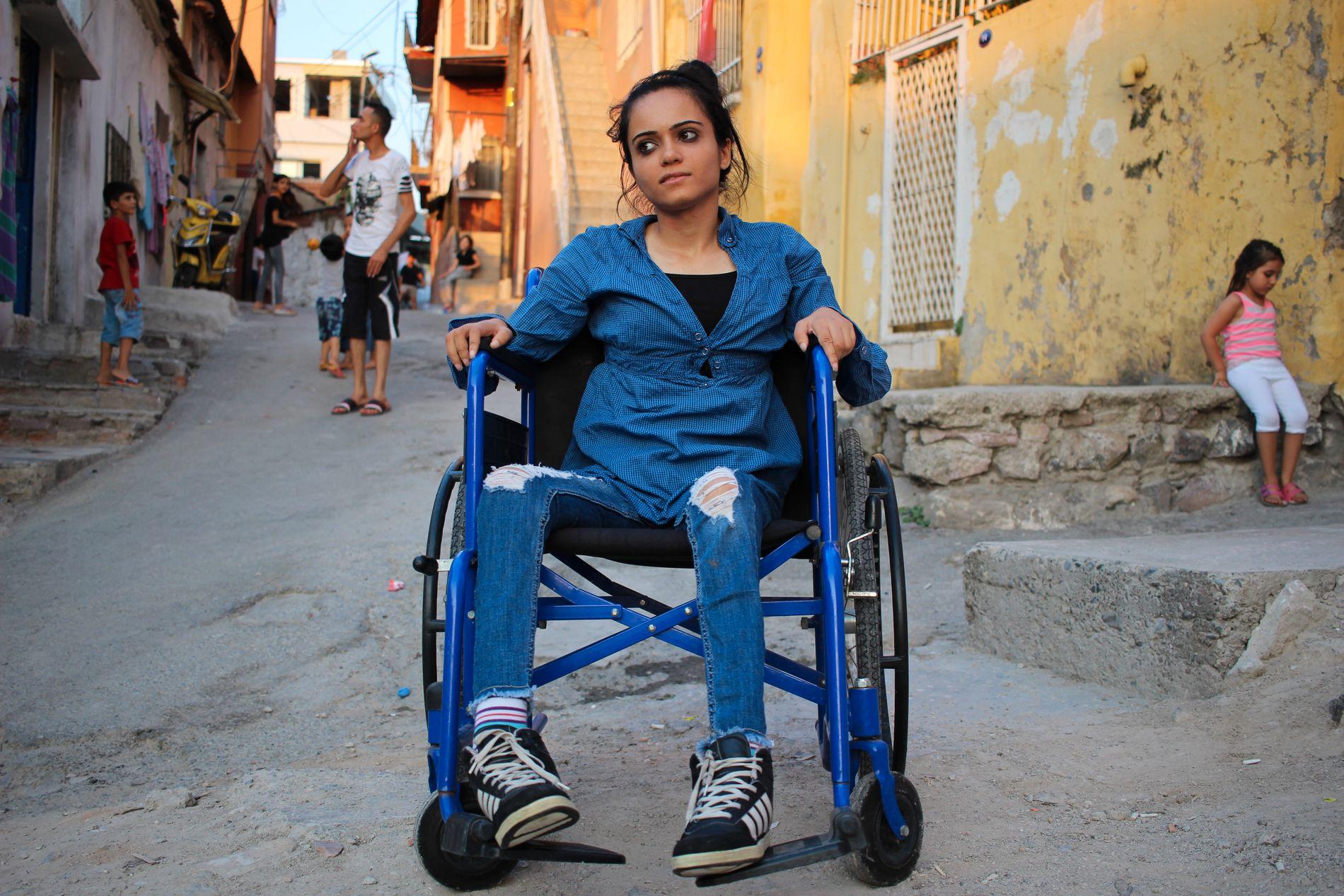 LENGTER VEKK: Noor Oghli har bodd halvannet år i Izmir i Tyrkia, etter tre mislykkede forsøk på å krysse til Hellas. Hun håper fortsatt på å bli overført til et vestlig land og få medisinsk behandling.
