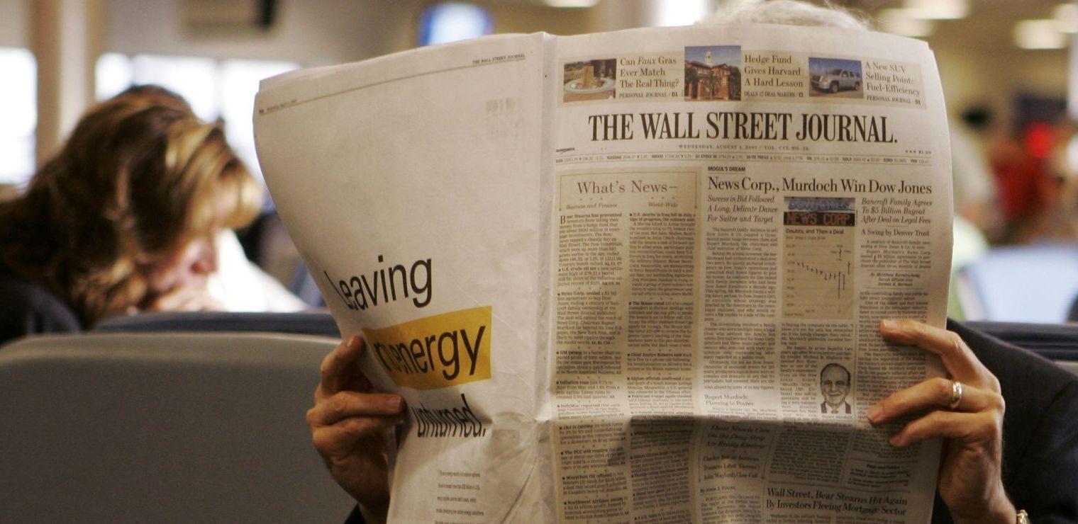 BETALER FOR Å LESE: 1,6 millioner betaler for Wall Street Journal på papir, og 200.000 på nettbrett, hevder avisen selv.