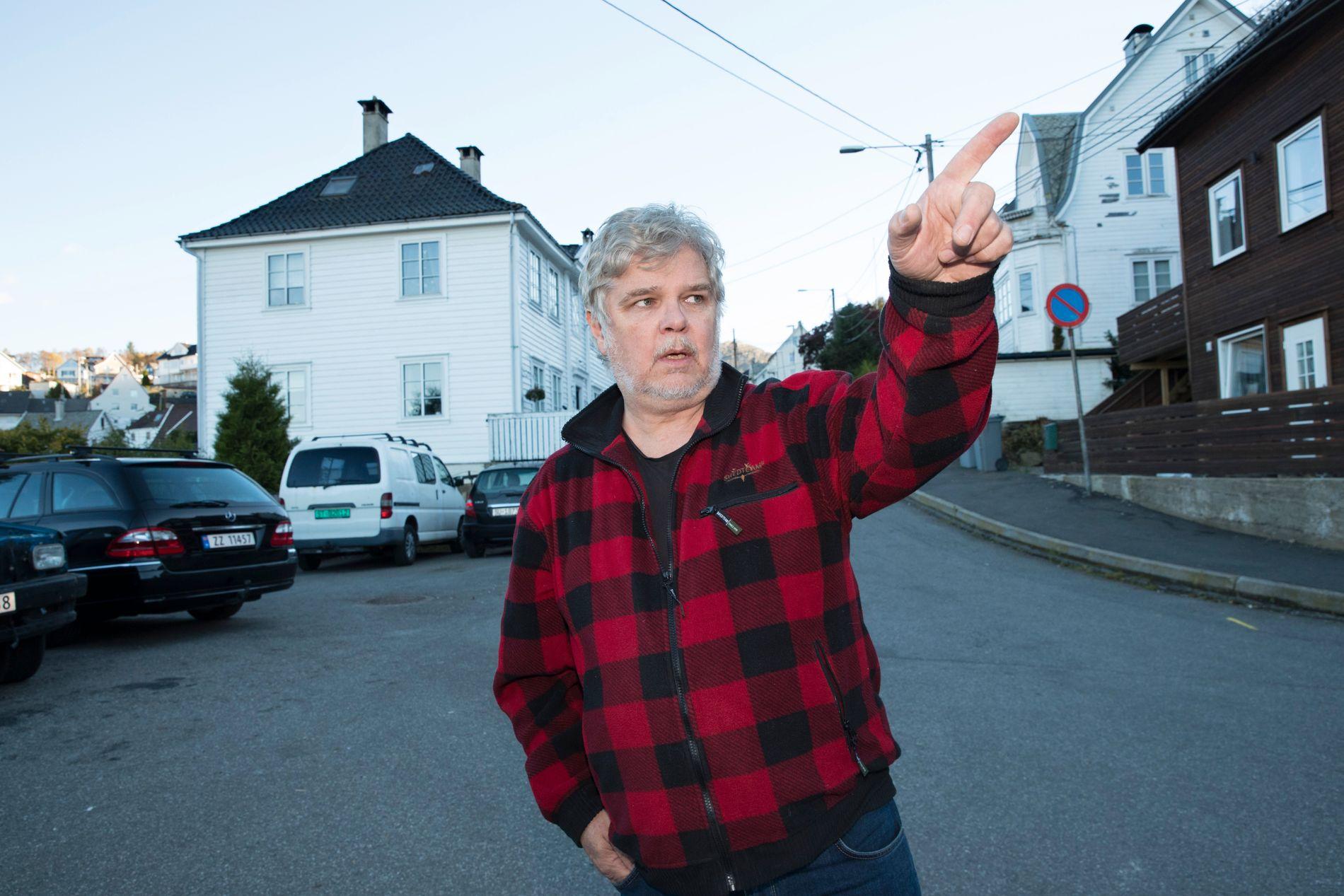 BOR I OMRÅDET: Her foregikk narkohandelen helt åpenlyst, forteller nestleder Jan Henrik Haugøen i Damsgård vel.