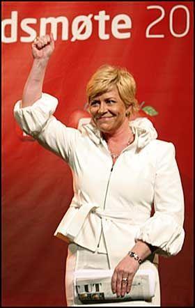 SELVSIKKER: Siv Jensen gikk hardt ut og lovet at Fremskrittspartiet ikke bare skulle sitte i regjeringskontorene, men også forandre Norge hvis partiet får makten neste høst. Foto: Scanpix