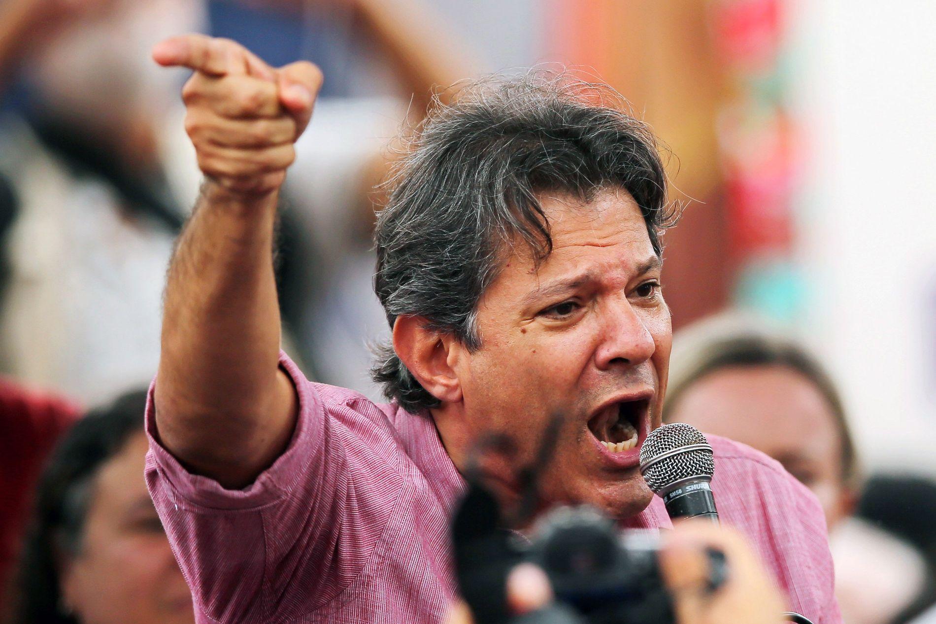 KJEMPER FOR EKSPRESIDENT: Fernando Haddad har dedikert mye av sin tid til å kjempe for løslatelsen av partikollega «Lula», ekspresidenten som sitter fengslet for korrupsjon.