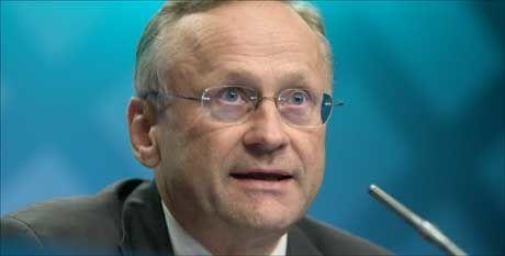 VARSLET FRA FØR: Sentralbanksjef Svein Gjedrem hadde varslet at renten ville gå ned. Spørsmålet var hvor mye. Foto: Scanpix