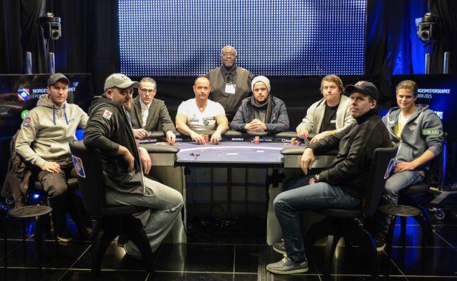 FINALEBORDET: Disse åtte spillerne utgjorde finalebordet i NM i Dublin tidligere i år.