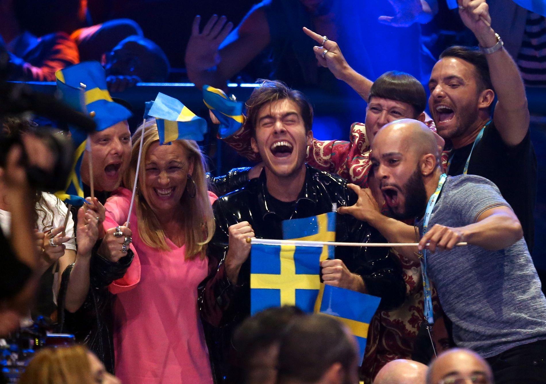 SNAKKET NEDLATENDE: Svenske Benjamin Ingrosso møter massiv motstand etter sine nedlatende kommentarer om andre lands bidrag. Selv legger han seg langflat.